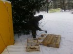 Pete chopping pallets